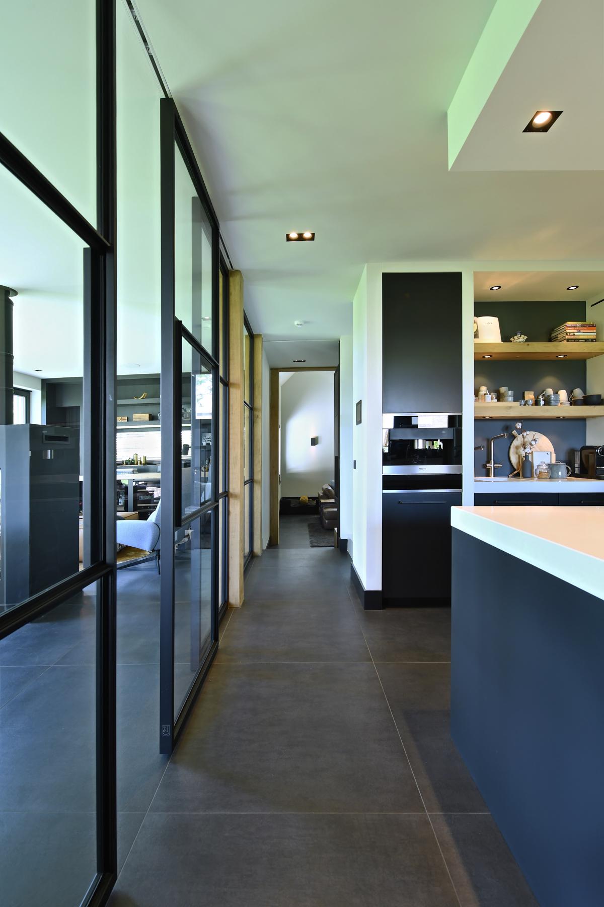 Villa met allure en eiken accenten te Nuland (44)