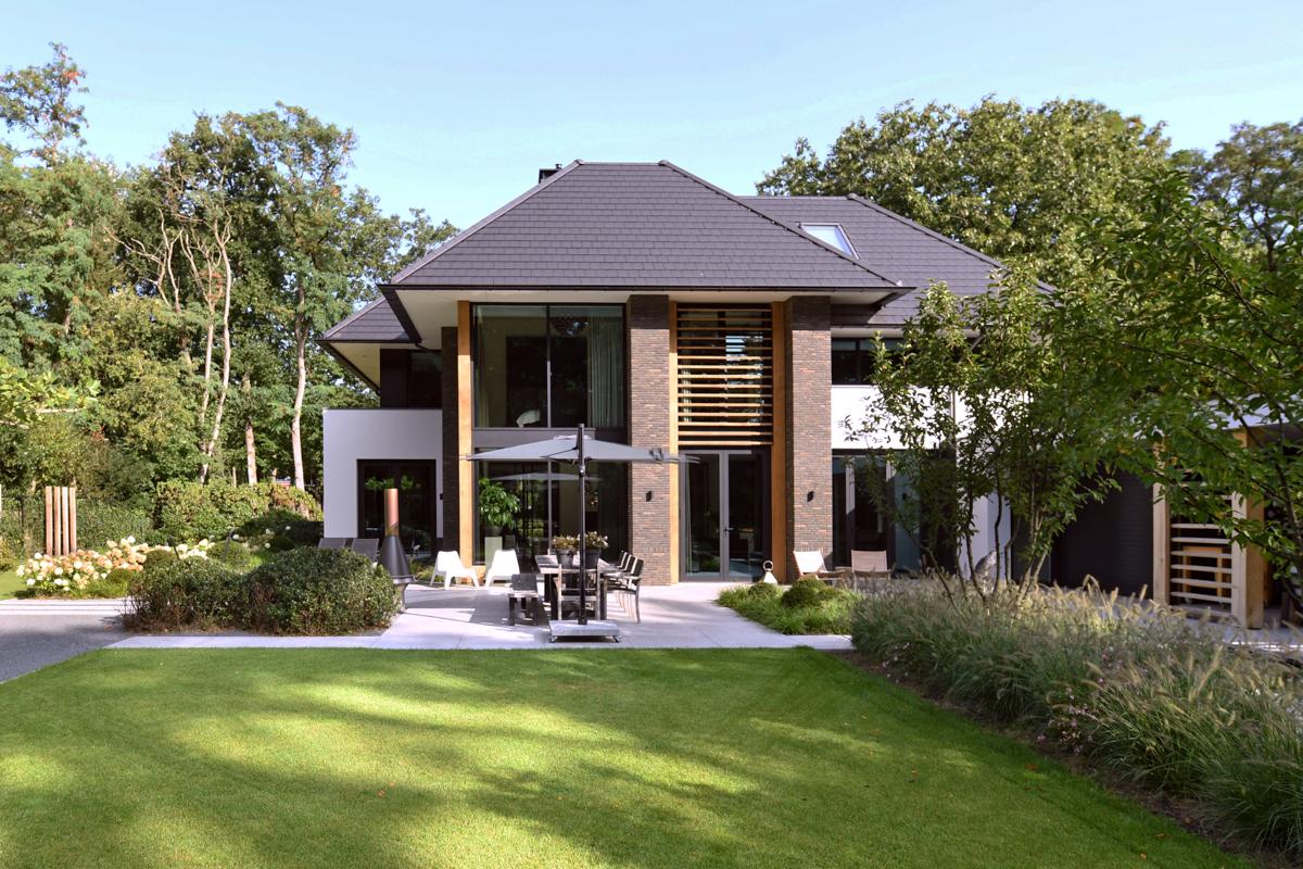 Modern herenhuis met aansprekende architectuur (2)