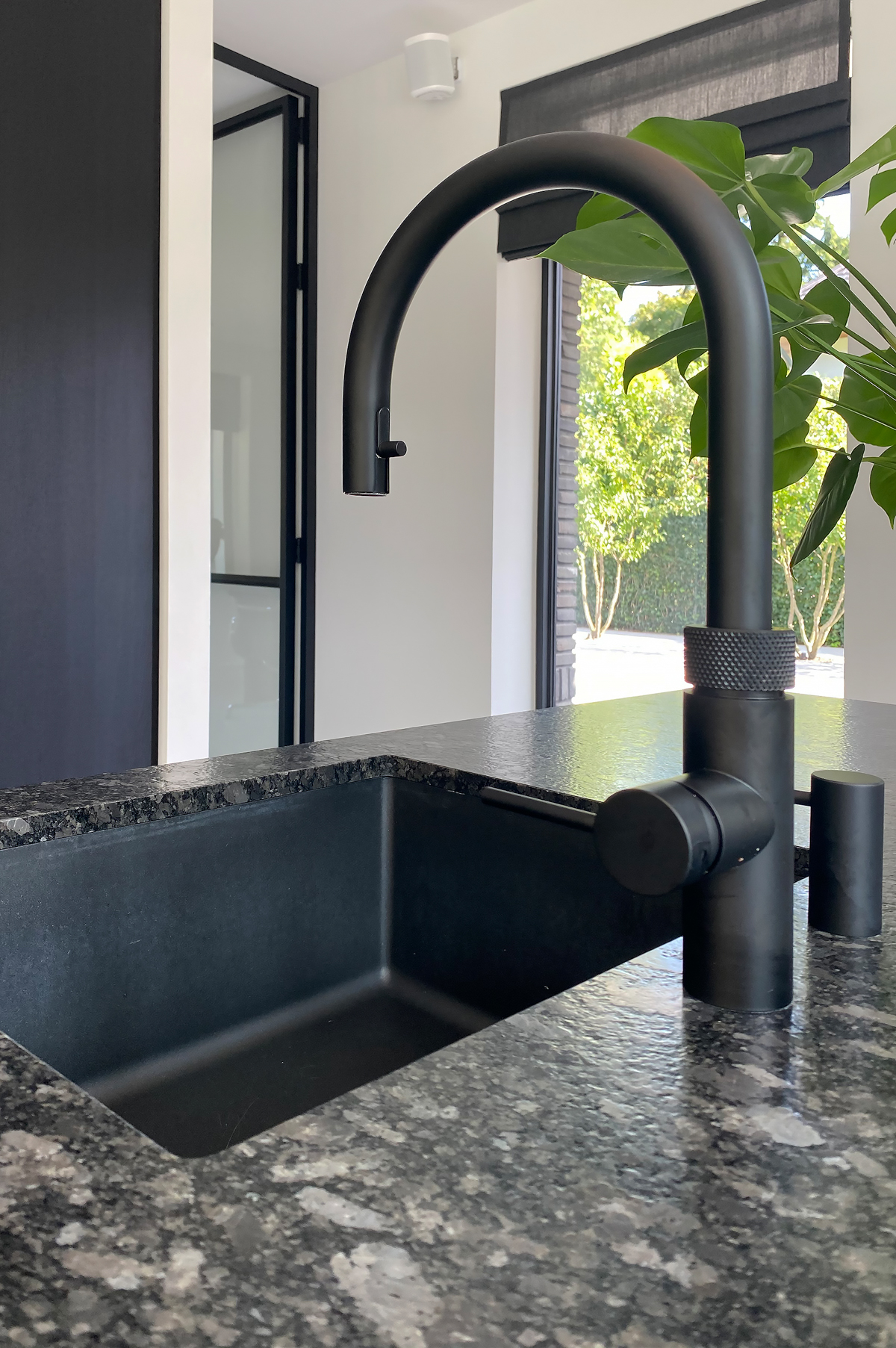 Modern herenhuis met aansprekende architectuur (25)