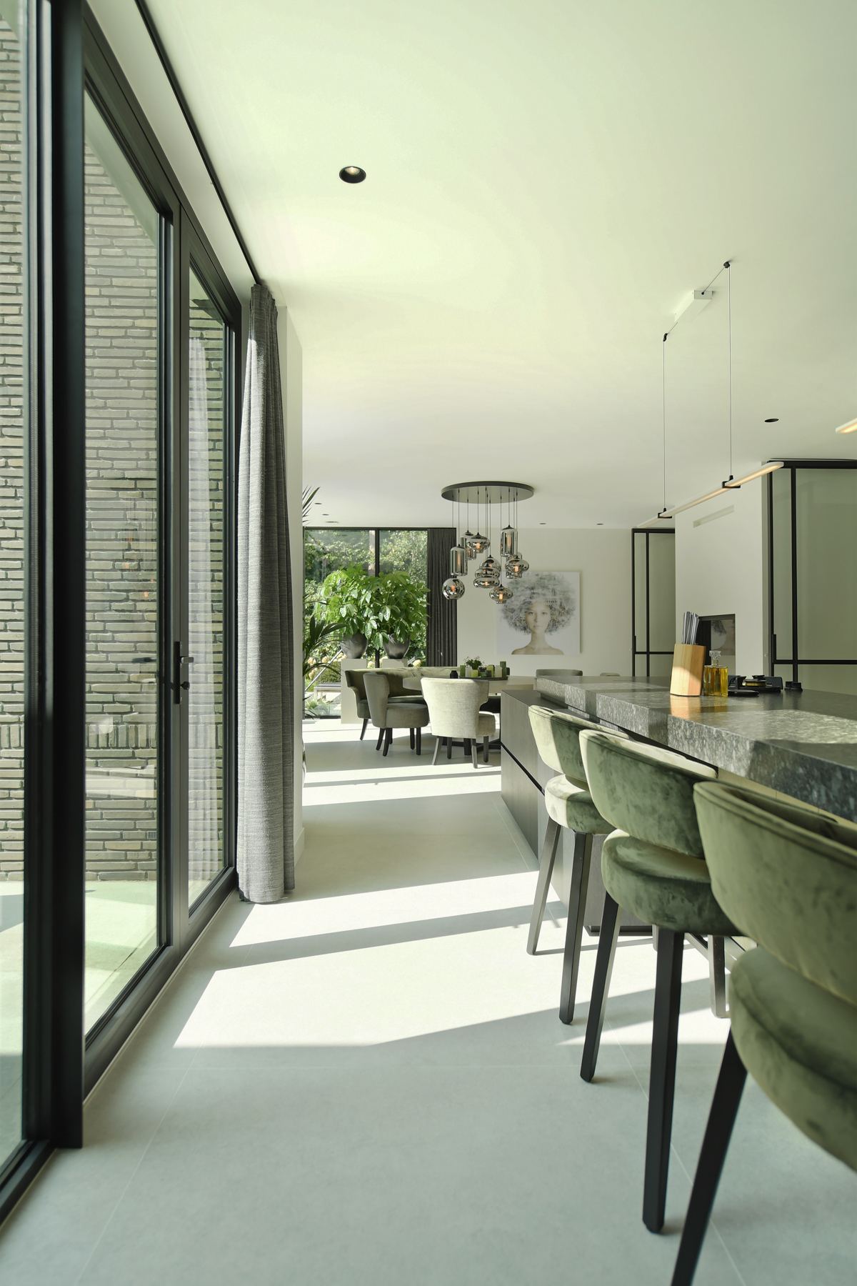 Modern herenhuis met aansprekende architectuur (35)
