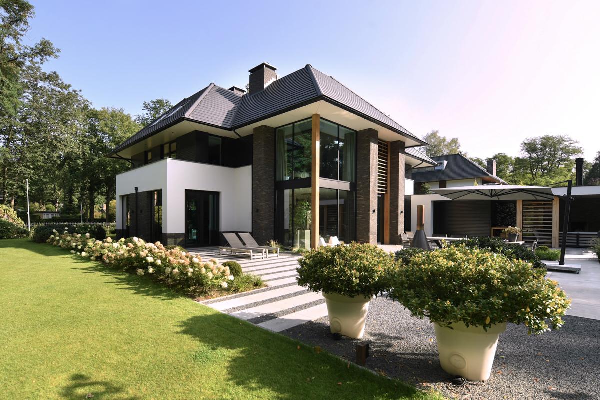 Modern herenhuis met aansprekende architectuur (4)