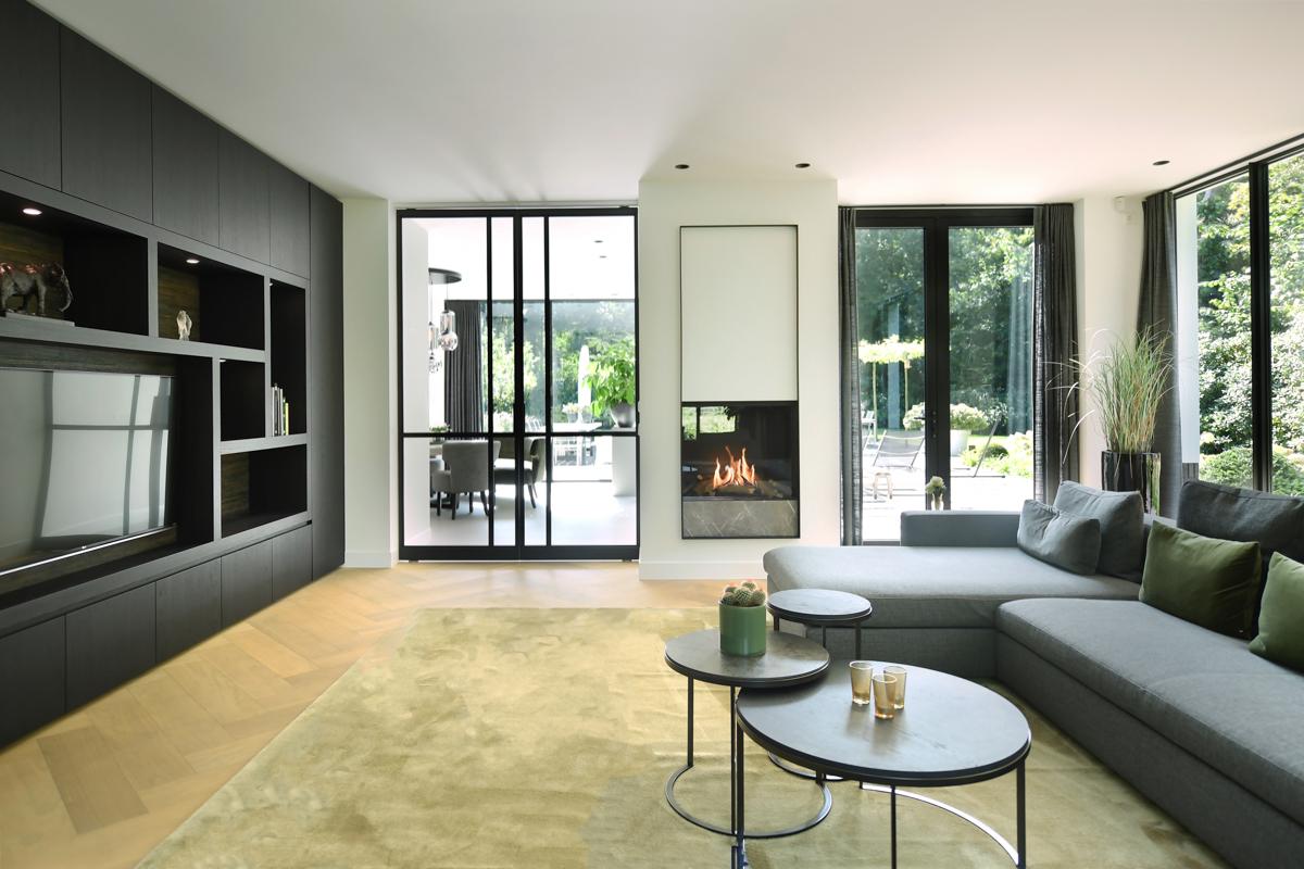 Modern herenhuis met aansprekende architectuur (42)