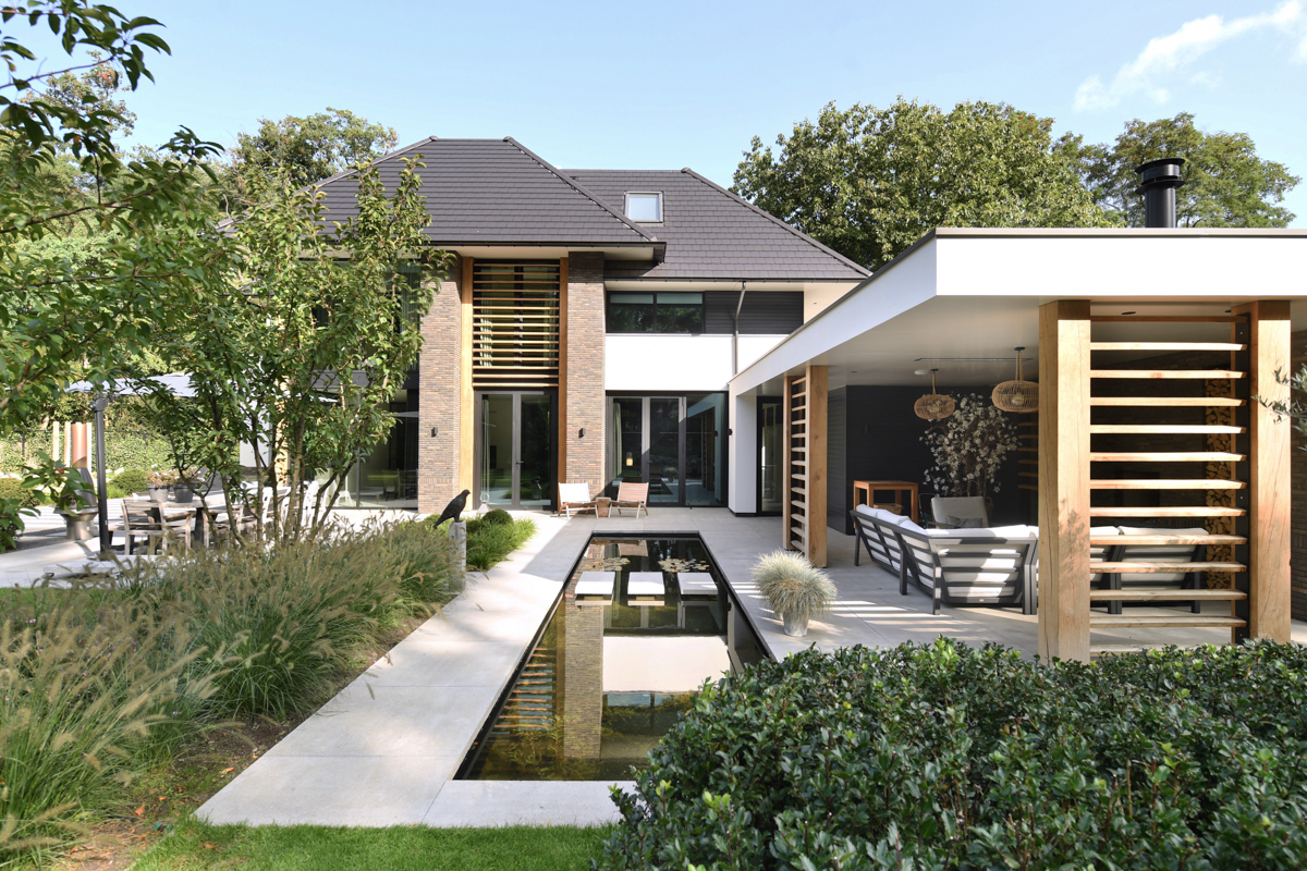 Modern herenhuis met aansprekende architectuur (7)