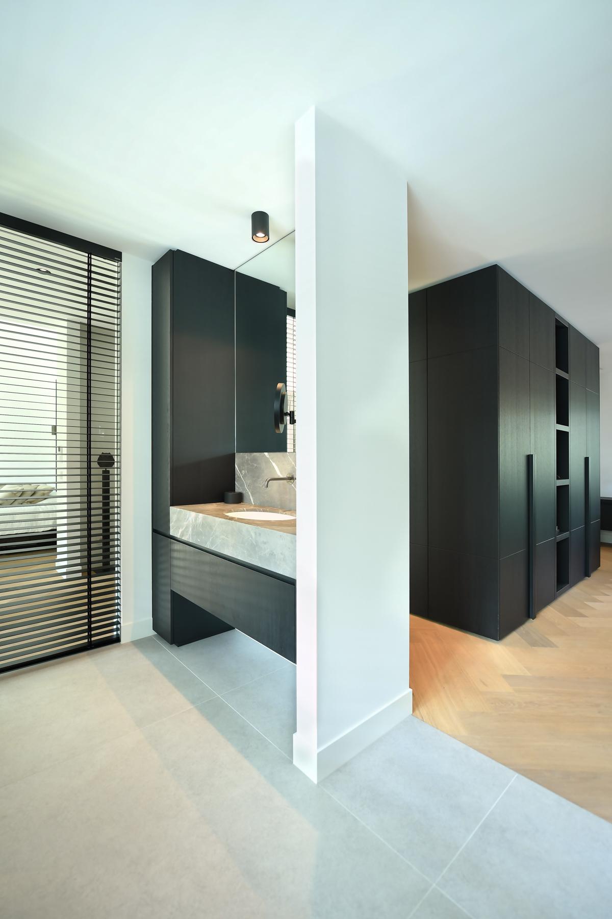Modern herenhuis met aansprekende architectuur (77)