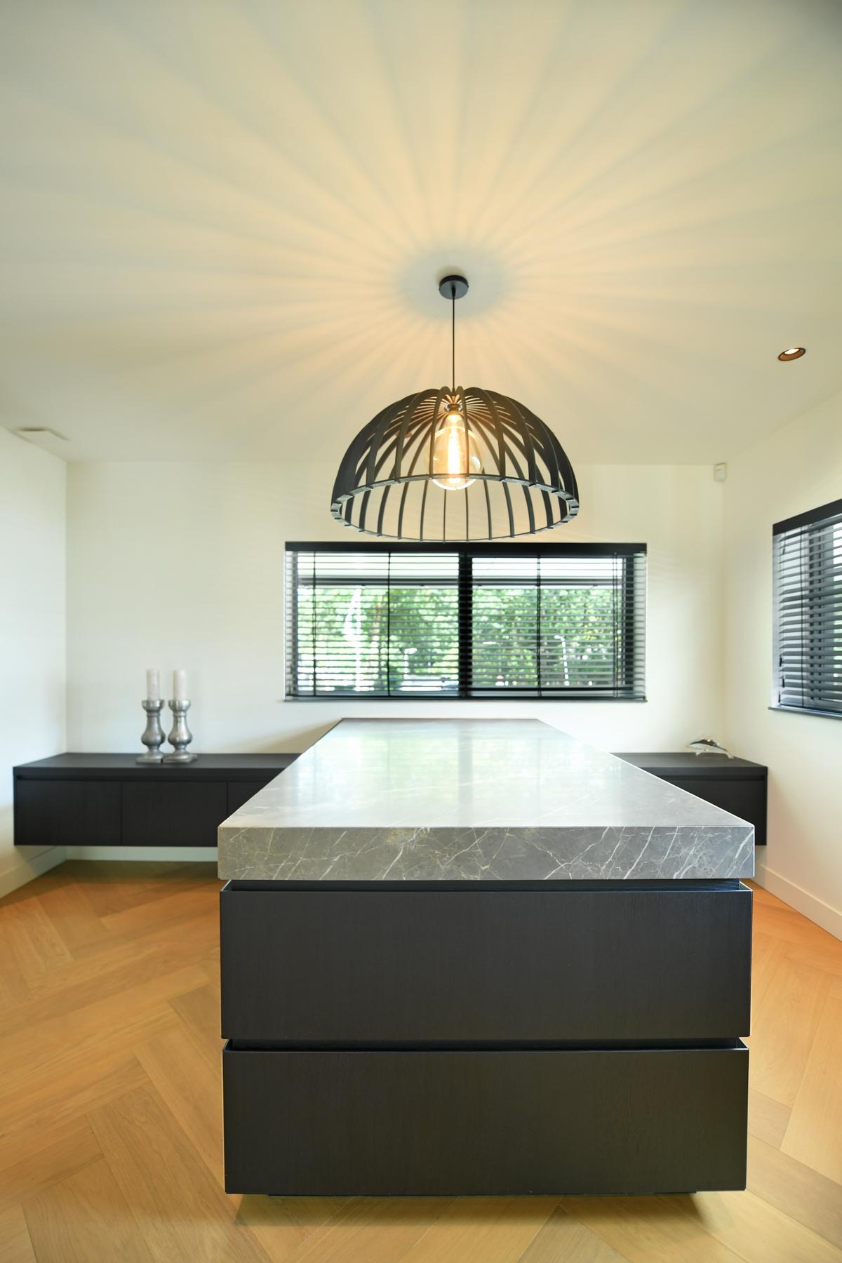 Modern herenhuis met aansprekende architectuur (79)